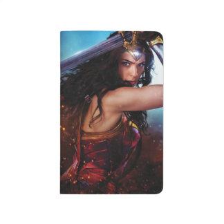 Carnet De Poche Femme de merveille bloquant avec l'épée