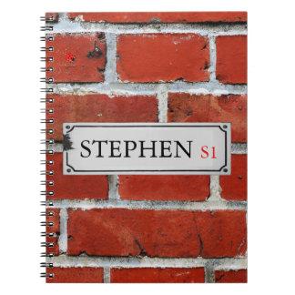 Carnet La plaque de rue sur le mur de briques