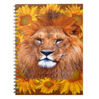 Carnet lion africain fauve et cadeaux jaunes de