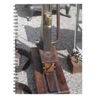 Carnet Machine de capsulage de bouteille vintage antique