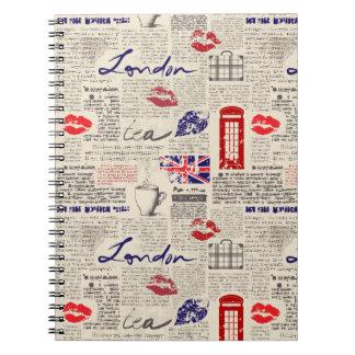Carnet Motif sans couture orienté de Londres avec des