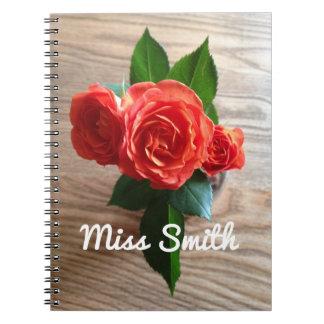 Carnet personnalisé tous roses oranges nommés