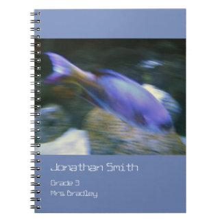 Carnet pourpre de poissons, bleu, personnalisable