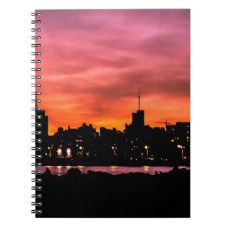 Carnet Scène de coucher du soleil de paysage urbain,