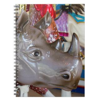 Carnet Tour de carrousel de rhinocéros sur le manège