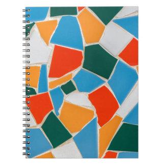 Carnet Tuiles colorées sur le mur comme background.JPG