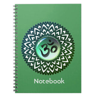 Carnet vert de méditation de l'OM de yoga de
