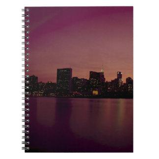 Carnet Ville urbaine de Manhattan de crépuscule d'horizon