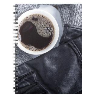 Carnet Vue supérieure d'une tasse blanche avec du café