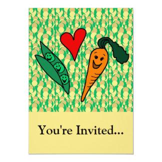 Carottes d'amour de pois, conception verte et carton d'invitation  12,7 cm x 17,78 cm