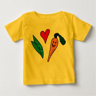 Carottes d'amour de pois, conception verte et t-shirt pour bébé