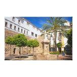 Carré d'église dans la vieille ville de Marbella Impression Sur Toile