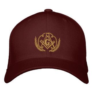 Carré et boussole chapeaux brodés