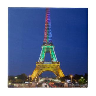 Carreau Affichage léger coloré sur Tour Eiffel