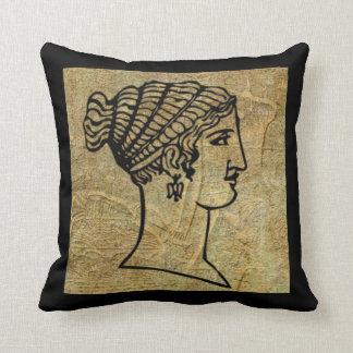 Carreau antique grec de rouleau de femme Grecque Coussins Carrés