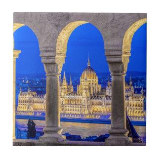 Carreau Bâtiment hongrois du Parlement au crépuscule
