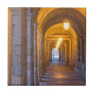 Carreau Couloir en pierre allumé par lampe, Espagne