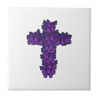 Carreau de céramique de croix pourpre de papillon