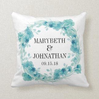 Carreau floral bleu de souvenir de mariage coussin