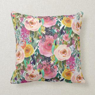 Carreau floral d'aquarelle rose lumineuse oreiller