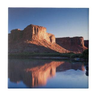 Carreau L'Utah, MESA d'A se reflétant dans le fleuve