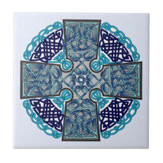 Carreau Médaillon bleu de croix celtique