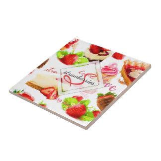 Carreau Monogramme d'amour de bonbons à fraise d'aquarelle