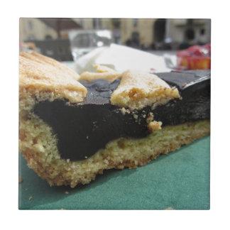 Carreau Morceau de gâteau de chocolat sur la serviette de