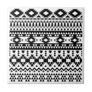 Carreau Motif géométrique aztèque noir et blanc de vecteur