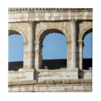 Carreau mur de trois voûtes
