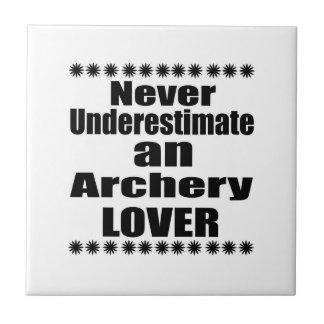 Carreau Ne sous-estimez jamais l'amant de tir à l'arc