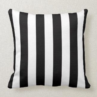 coussins blanc noir de rayures. Black Bedroom Furniture Sets. Home Design Ideas