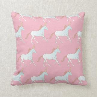 Carreau rose et bleu de motif de licornes coussin