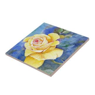 Carreau Rose jaune parfait dans l'aquarelle