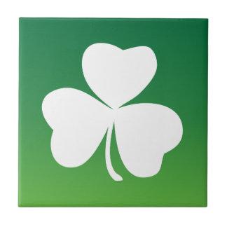 Carreau Thème irlandais de vert de trèfle