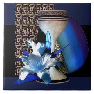 Carreau Tuile bronzage de graphiques de lis de vase bleu