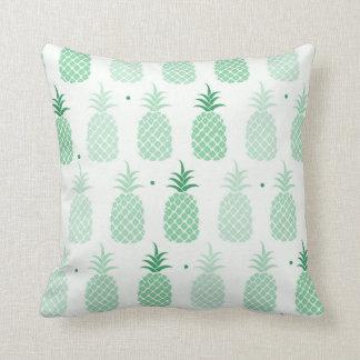 Carreau vert de motif d'ananas coussin décoratif