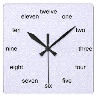 Carrés pas droits blancs horloge carrée