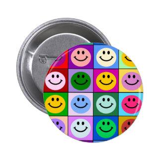 Carrés souriants multicolores badges avec agrafe