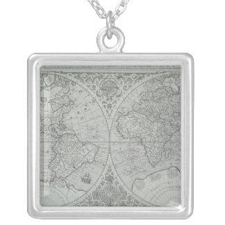 Carte 10 du monde collier