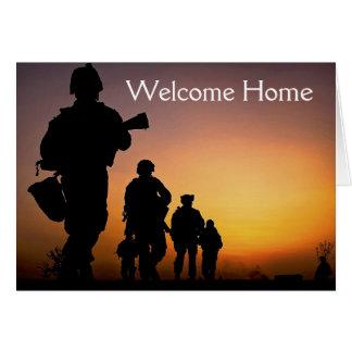 Carte à la maison bienvenue de soldat