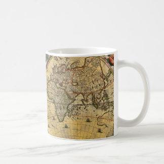 Carte antique #2 affligé du monde mug blanc