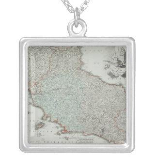 Carte antique du Latium, Italie Collier