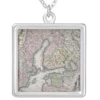 Carte antique scandinave collier