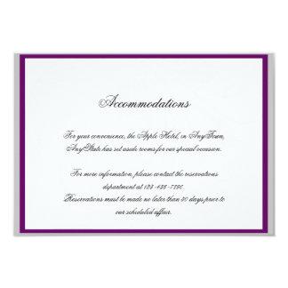 Carte Argent et insertion florale pourpre de mariage de