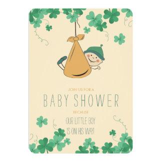 Carte Baby shower orienté irlandais mignon de shamrock