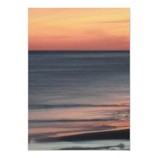 Carte Beau blanc de célébration de coucher du soleil de