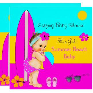 Carte Brune surfante de plage de fille de baby shower