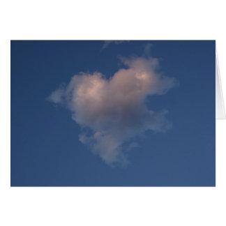 Carte d'amour de nuage de coeur