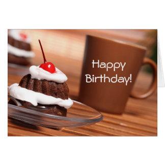 Carte d'anniversaire de gâteau et de café